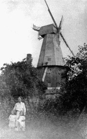 The dilapidated mill in 1906